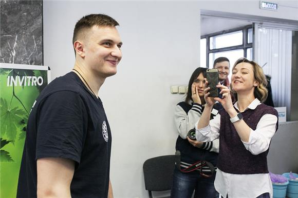 Хоккеисты и болельщики «Сибири» вступают в регистр