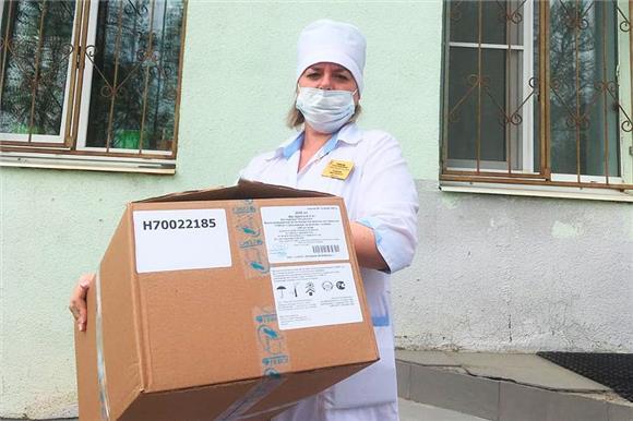 «Защитим врачей»: три больницы вСамарской области получили средства защиты инеобходимое оборудование