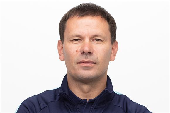 Тренер молодежного «Зенита» станет автоинструктором