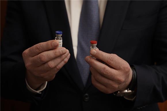 60% опрошенных россиян неготовы привиться откоронавируса отечественной вакциной