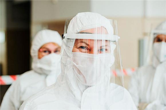 Правительство выделило 200млнруб. намобильные бригады для лечения пациентов сCOVID-19