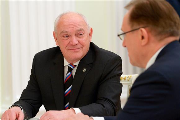Правительство утвердило состав экспертного совета иправления фонда «Круг добра»