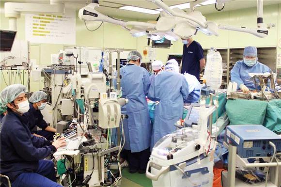 Японские врачи впервые вмире пересадили части легких отживых доноров