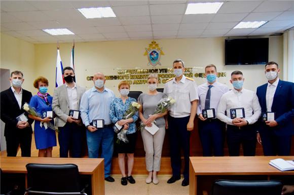 ВАмурской области наградили медиков, которые вовремя пожара вбольнице продолжили оперировать пациента
