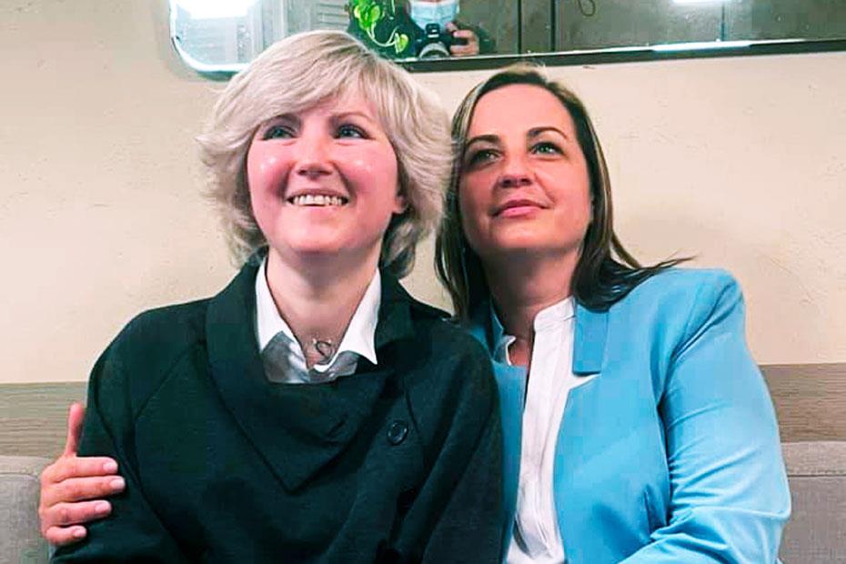 Слева направо: реципиент Лариса и донор Наталья