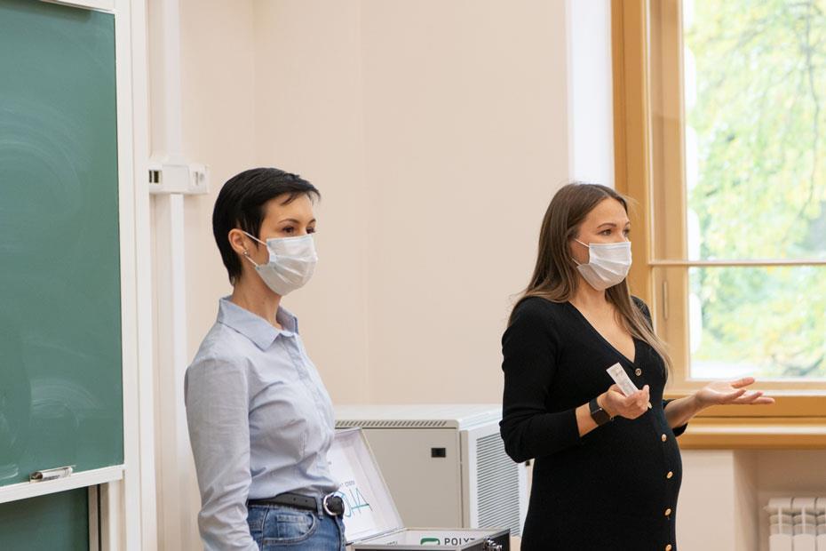 Мария Идрисова и директор Центра развития донорства костного мозга Любовь Белозерова