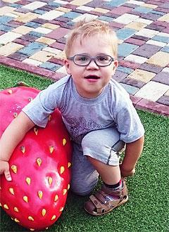 Русфонд Миша Гунько 5 лет задержка психоречевого развития требуется курсовое лечение 119 532