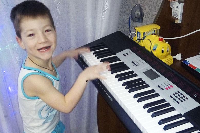 Синтезатор для Кирилла Шангина из Североуральска