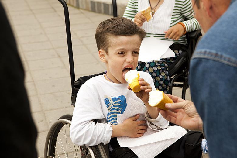 5. Научиться есть мороженое не так-то просто