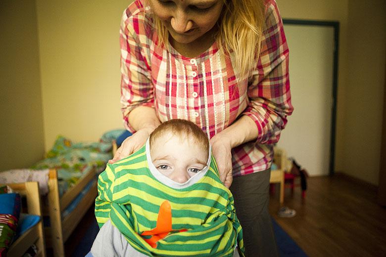 2. В Домике, в отличие от обычного интерната, воспитатели не ходят в одинаковых халатах, как в них не ходят обычные мамы в обычных семьях