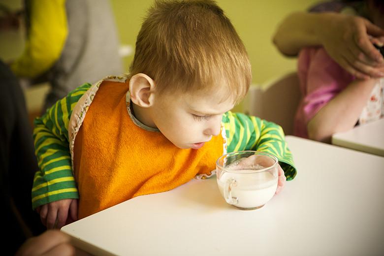 5. Вся еда, которую ест Кирюша, должна напоминать его любимую детскую кашу, то есть должна быть жидкой и белой