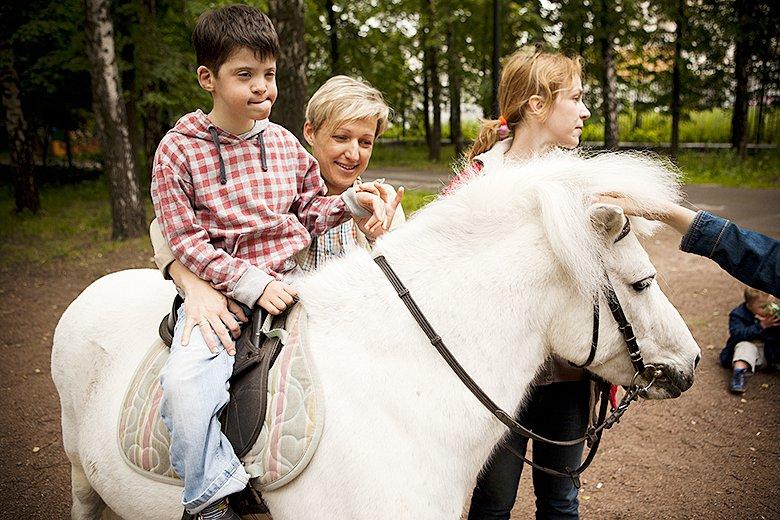9. Пони Мамай – любимец многих посетителей конюшни Нескучного сада