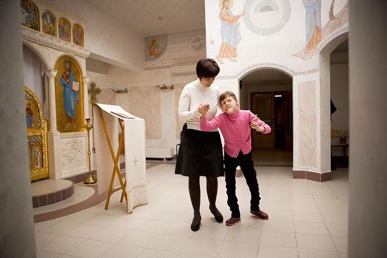 2. Настя в домовом храме Свято-Софийского детского дома