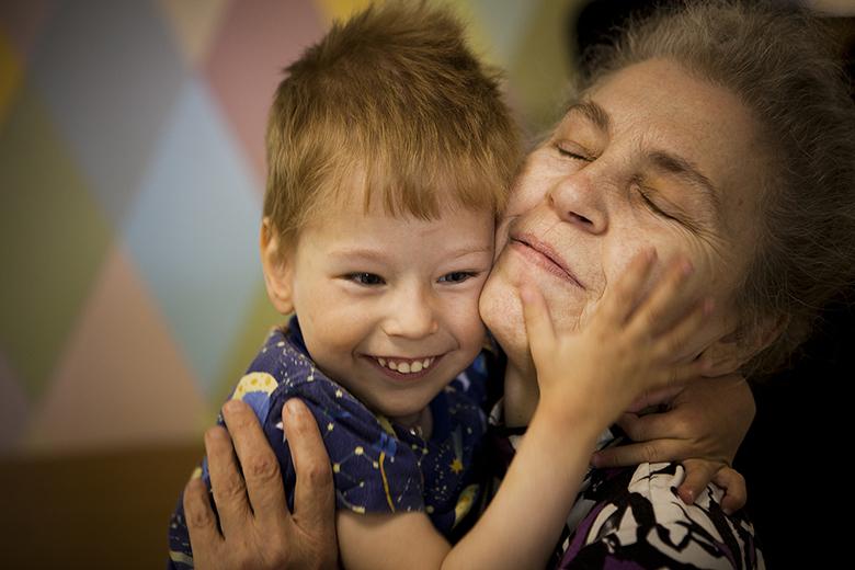 3. Костик и баба Лида (любимый волонтер Домика Лидия Радыгина)