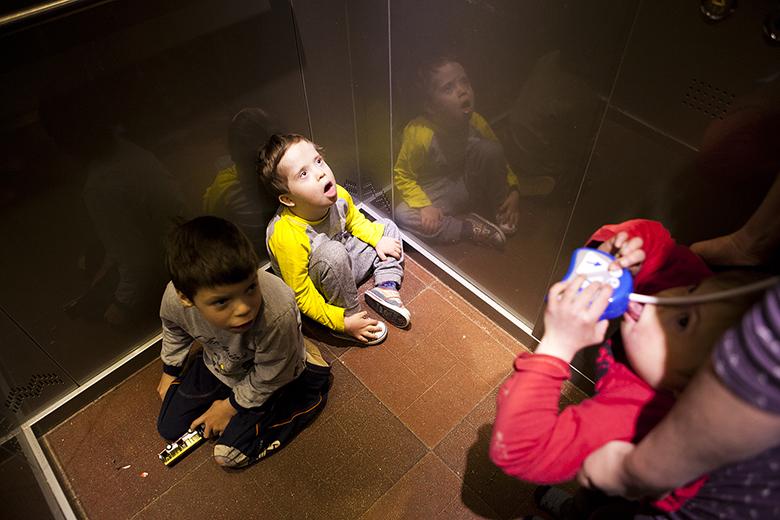 2. Лифт – любимая штуковина всех мальчишек Домика