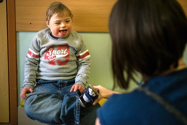 2. Все дети в Антошкиной группе выглядят младше своего возраста – это последствия так называемого госпитального синдрома