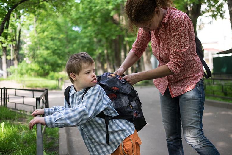 6. Миша ходит в школу и на занятия в Центр лечебной педагогики