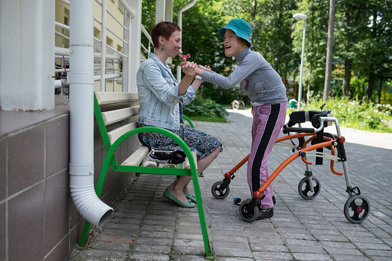 4. Летом дети и воспитатели Домика проводят много времени на улице
