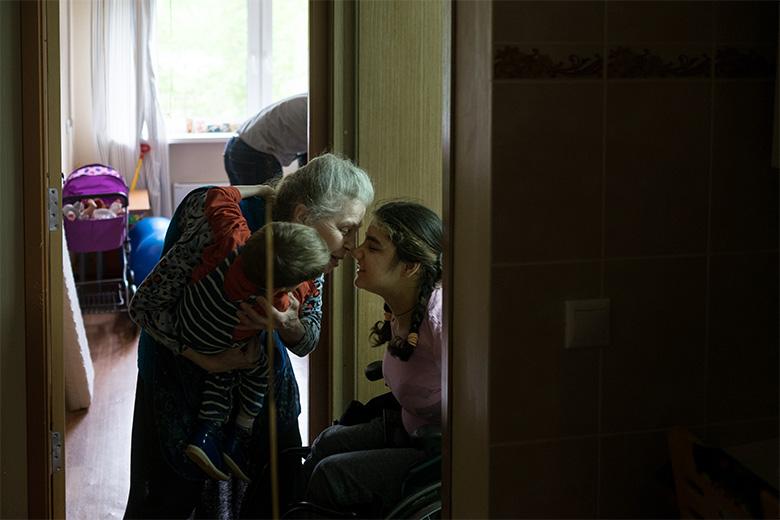 Лидия Александровна – любимый и постоянный волонтер Домика, давний друг Ферузы