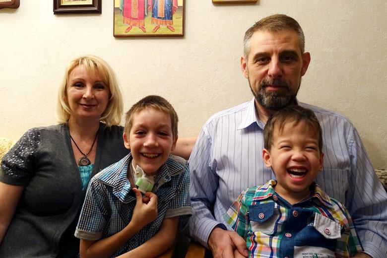 Сережа и его семья
