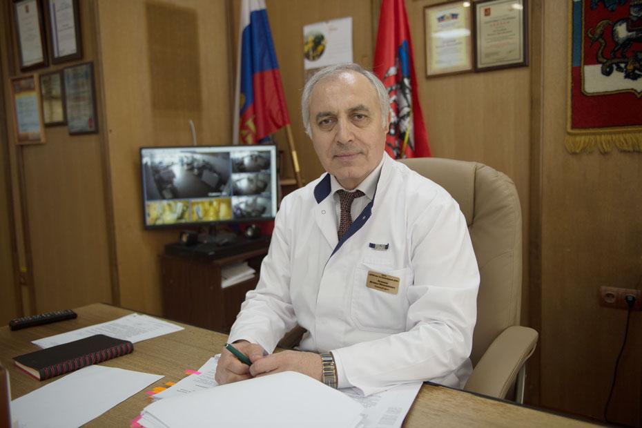 Главврач больницы имени Башляевой Исмаил Османов еще и главный педиатр Департамента здравоохранения Москвы