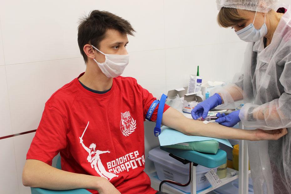 Кровь на типирование сдает активист «Волонтерской роты»