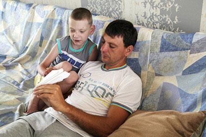Задыхающийся мальчик просил фото 462-674