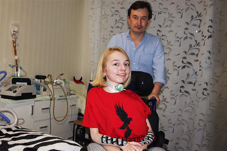 Элина Абдрашитова и заведующий реанимационным отделением ДРКБ Игорь Закиров