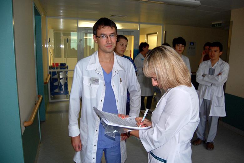 Донорами стали врачи Федерального центра нейрохирургии. Евгений Галушко, врач-нейрохирург