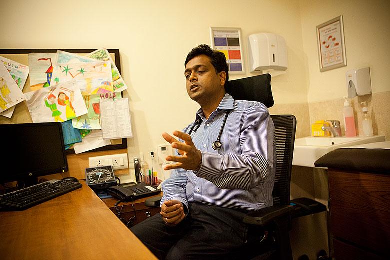 1. Доктор Ракеш Кумар Джейн, клиника Фортис, Дели, Индия
