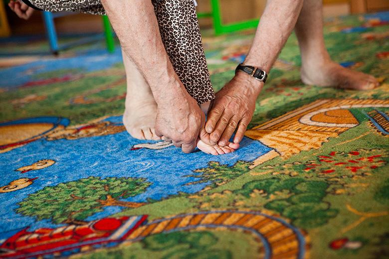 4. Главное только не совершать патологических движений. Например, правильно ставить ноги