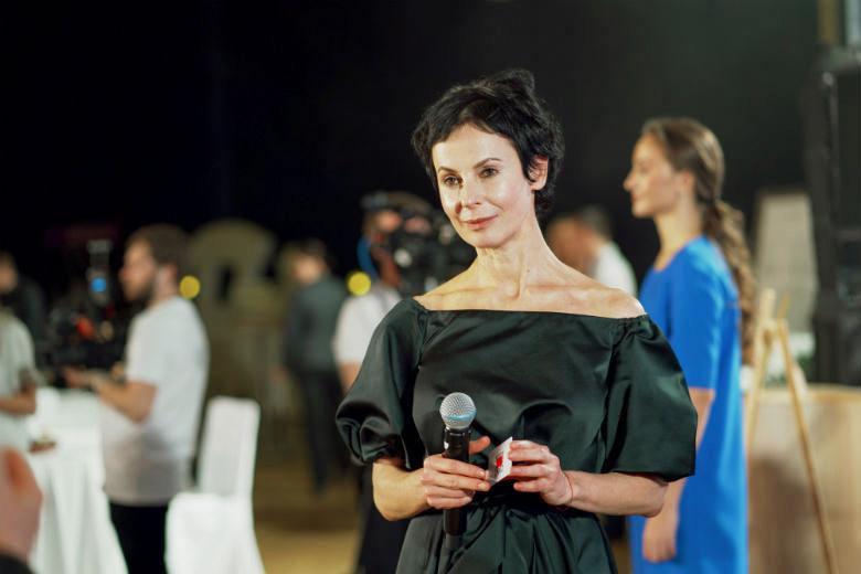 Актриса, директор Театра на Таганке Ирина Апексимова приехала в Екатеринбург поддержать проект «Русфонд.ИВЛ»