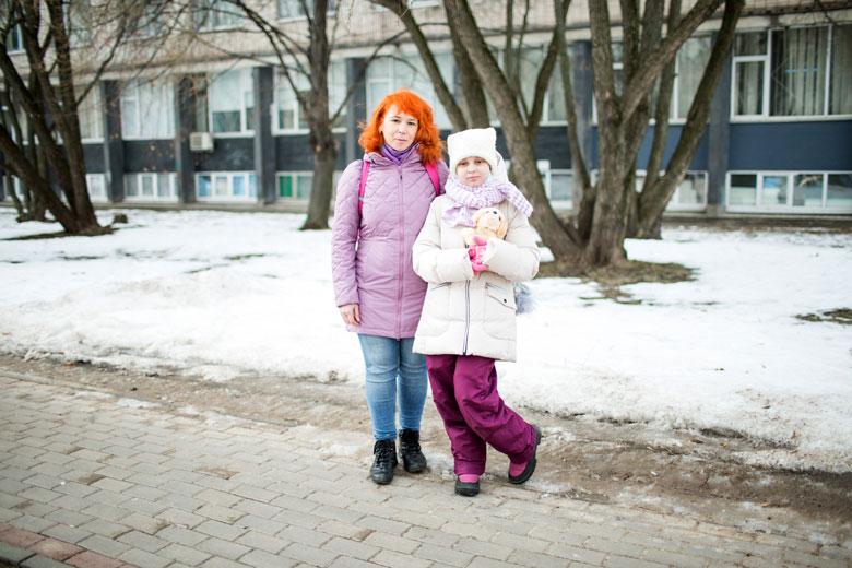 Алена и Ксения стараются больше ходить