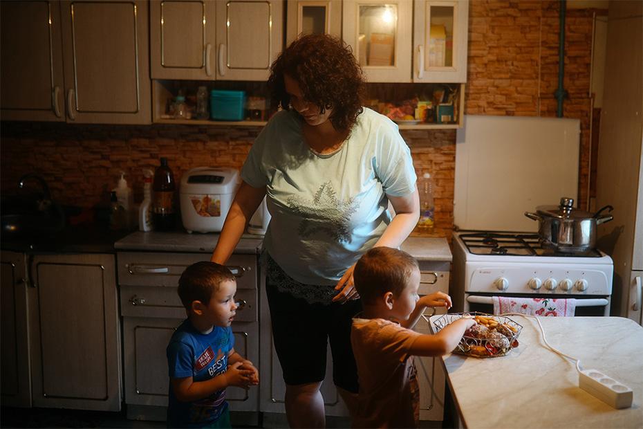 Натальины сыновья обожают мясо, кашу и сладости