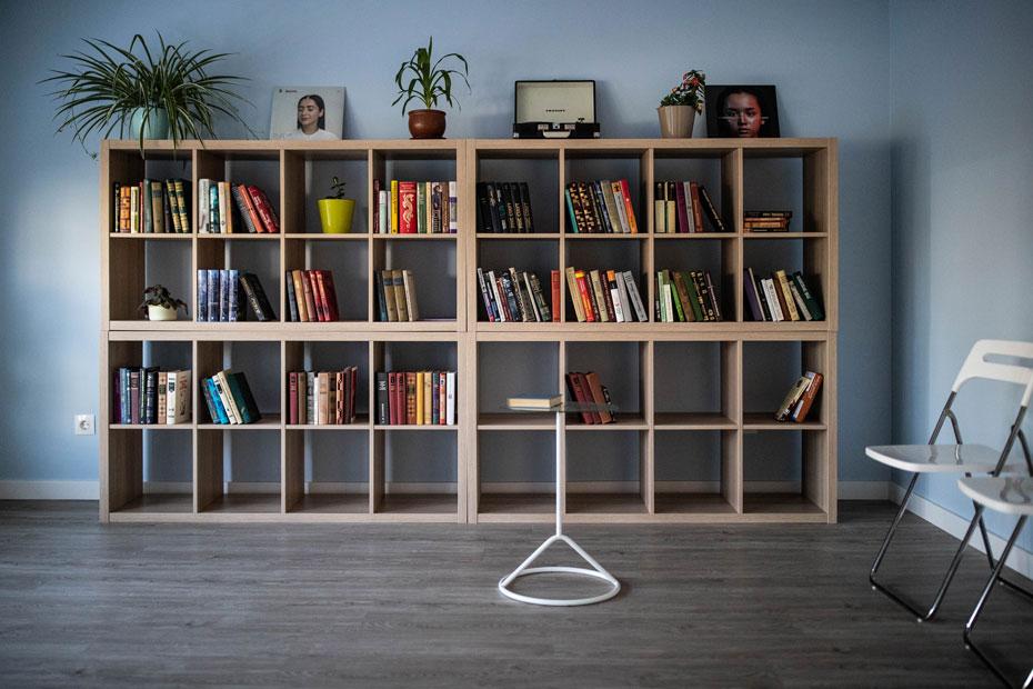 Библиотека консультационного центра и приюта – сюда можно принести книги для подопечных «Ночлежки»